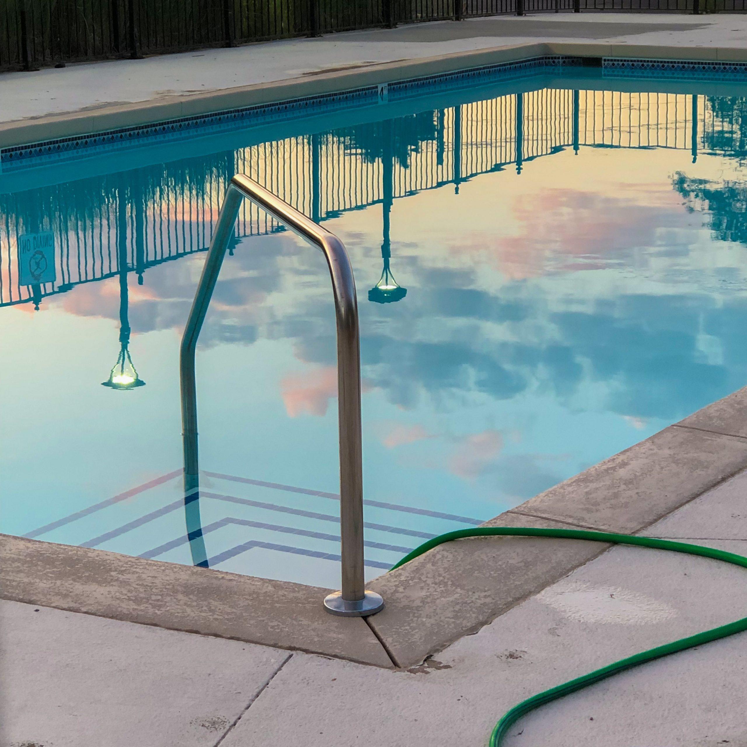 čistění bazénu